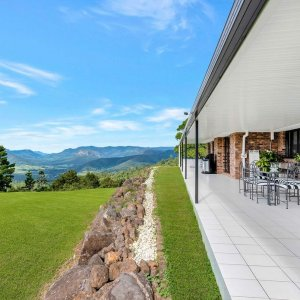 The Prestige Property Magazine - www.prestigepropertymagazine.com - Mountian Paradise