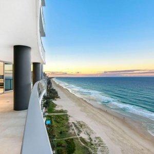 The Prestige Property Magazine - www.prestigepropertymagazine.com - Sky High