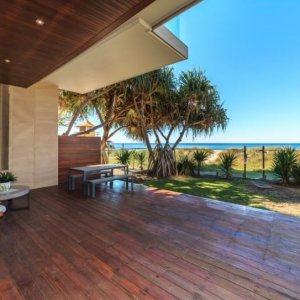 The Prestige Property Magazine - www.prestigepropertymagazine.com - Beachside Elegance