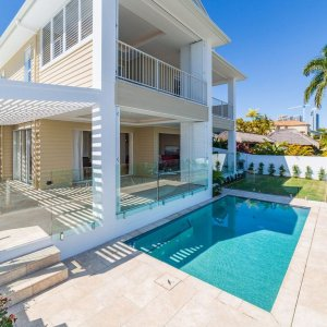 pool-Beachside-Splendour-Prestige-Property