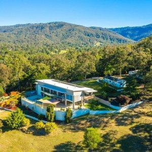 Prestige Property Magazine - www.prestigepropertymagazine.com - Stylish Equestrian Estate