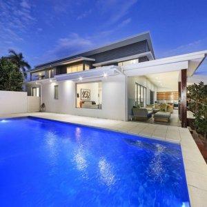 [The Prestige Property Magazine - www.prestigepropertymagazine.com - Contemporary Capri]