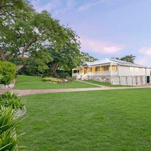 The Prestige Property Magazine - www.prestigepropertymagazine.com - Grand Estate