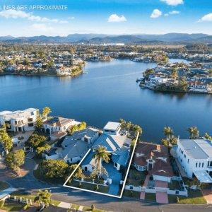 Prestige-Property-Magazine-Waterfront-Views