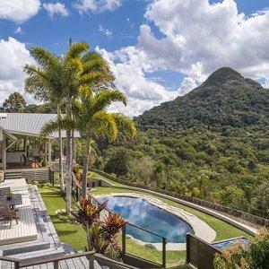 mountain-luxury-prestigepropertymagazine-https://prestigepropertymagazine.com/