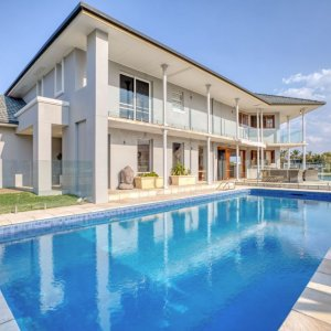 surfers paradise waterfront home